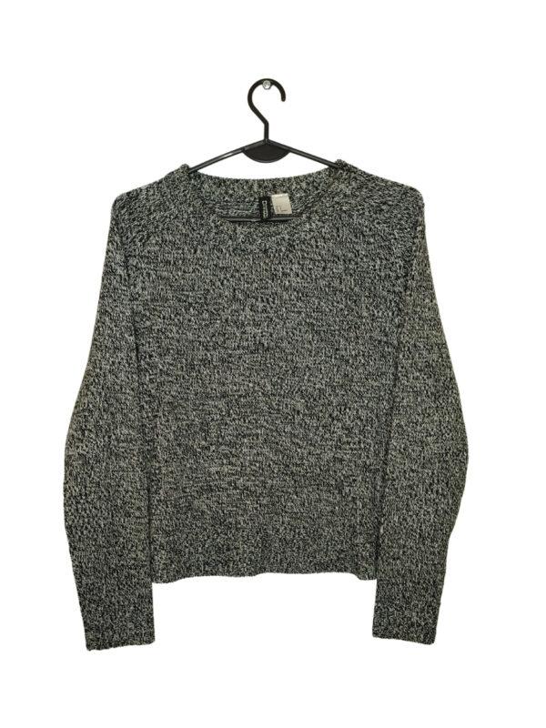 Czarno-biały mięciutki sweter.
