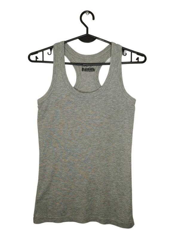 Szara koszulka na naramkach. Z tyłu połączone ramiączka.