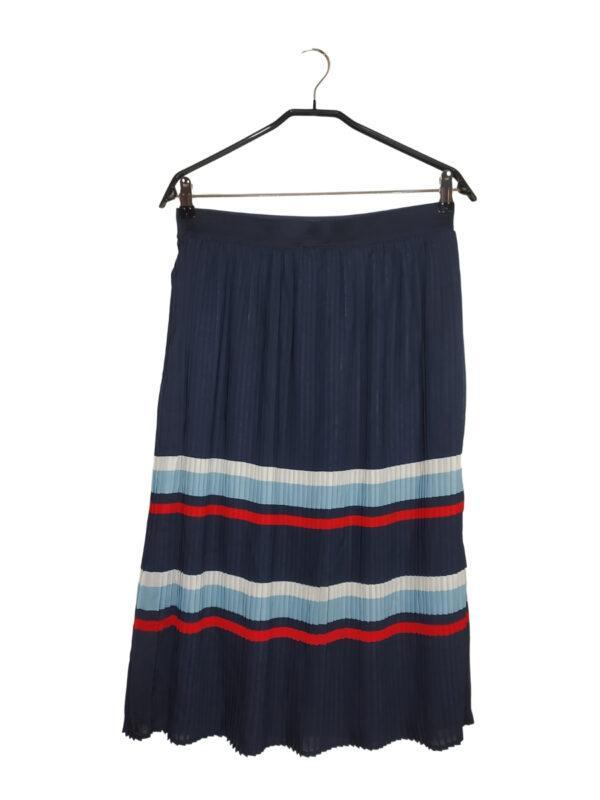Granatowa długa plisowana spódnica z paskami. Gumka w pasie. Cena na metce 169,99. Oszczędzasz 69,99!