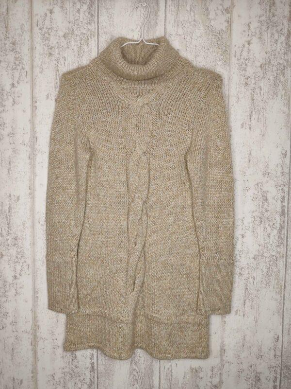 Kremowa sweterkowa tunika z golfem. Przeplatana metaliczną nitką.