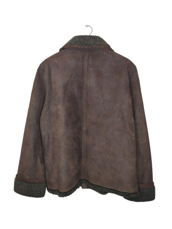 Brązowa kurtka z kożuchem. Widoczne ślady noszenia.