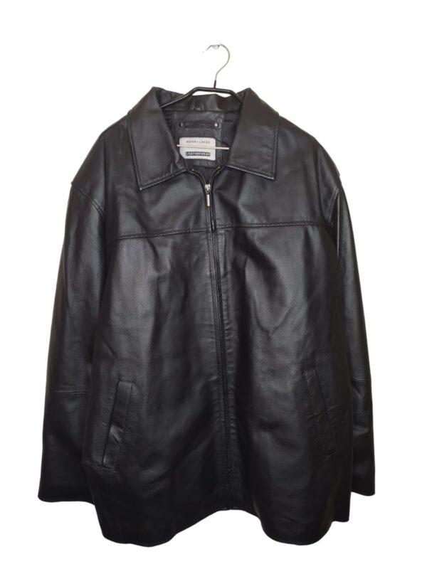 Czarna, skórzana kurtka. Posiada kieszenie w środku i na zewnątrz. Pikowana w środku, przy metce guziki.
